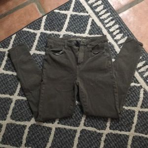 Size 2. AMERICAN Eagle green skinny jeans